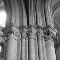 Retombée des voûtes à la base sud-ouest du clocher sud