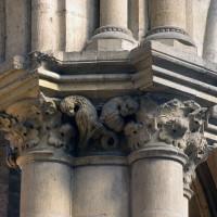 Chapiteau d'un pilier de la nef (refait partiellement)