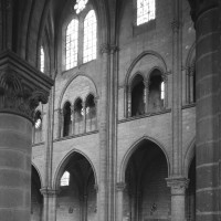 L'élévation du mur gouttereau nord de la travée double du choeur et de la dernière travée de la nef vue vers le nord-ouest