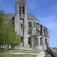 Les parties orientales de l'église vues du sud (2017)