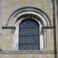 Fenêtre au sud de la tribune du narthex (2017)
