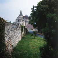 L'église dans son environnement vue du sud-ouest (1996)