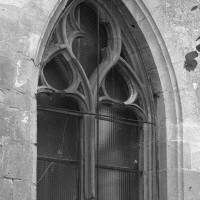 La fenêtre est de la chapelle nord (2000)
