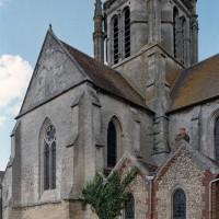 Vue partielle de l'église depuis le nord-ouest (2002)