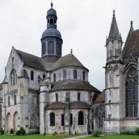 L'église et la chapelle de la Vierge vues du sud-est (2003)