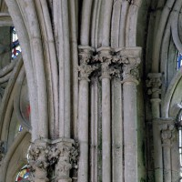 Retombée des voûtes du passage vers la chapelle de la Vierge