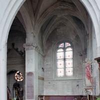 Le bas-côté nord du choeur et une chapelle vus vers le nord (2003)