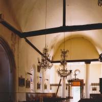 L'intérieur de l'église vu vers le sud-ouest (2003)