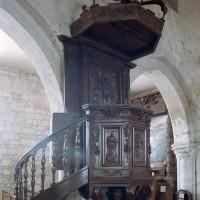 La chaire à prêcher a été remontée dans l'église Notre-Dame de Thourotte (2006)