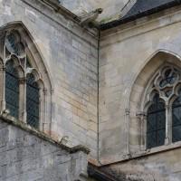 Fenêtres hautes à l'angle nord-est du bras nord du transept et du choeur (2016)