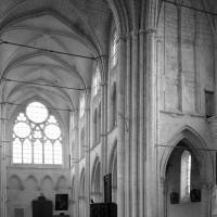Le transept et la nef vus vers le nord-ouest