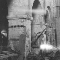 Arcades du mur gouttereau nord de la nef vues vers le nord-est (1969)