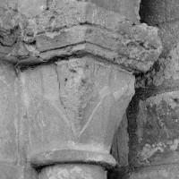 Chapiteau de l'arcade du bas-côté nord de la nef, côté gauche (1969)