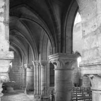 Le bas-côté sud de la nef vu vers le nord-ouest (1992)