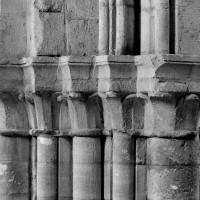 Chapiteaux recevant une arcade de la nef sur la pile nord-ouest de la croisée (1994)