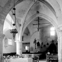 Vue partielle de l'église vers le sud-ouest depuis le choeur (1994)