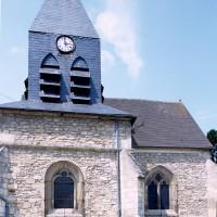 Les parties est de l'église vues du sud (1999)