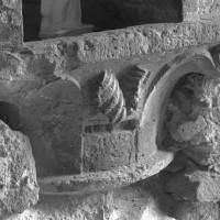 Chapiteau du 12ème siècle en remploi (1996)