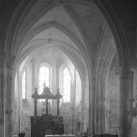 La croisée du transept et le choeur vus vers l'est (1996)