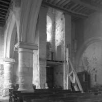 La partie ouest de la nef vue vers le nord-ouest (1996)