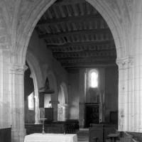 La nef vue vers le sud-ouest depuis la croisée du transept (1996)