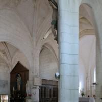 L'intérieur vu vers le nord-est depuis le bas-côté sud (2008)