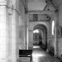 Le bas-côté sud de la nef vu vers l'est (1979)