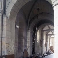 La base du clocher vue vers le sud-ouest (1995)