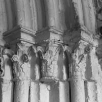 Les chapiteaux des piédroits de droite du portail ouest