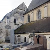 Vue partielle de la nef et de l'ancienne chambrerie depuis le nord-ouest (2016)
