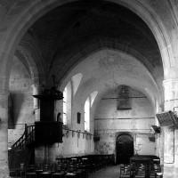 La croisée du transept et la nef vues vers le sud-ouest (1997)