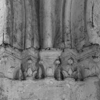 Chapiteaux à la retombée sud de l'arcade ouest de la croisée du transept (1995)