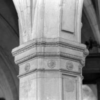 Chapiteau d'une arcade du mur gouttereau nord de la nef (2000)