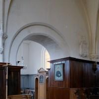 La première travée du choeur et l'accès à la chapelle nord vu vers le nord-est (2003)