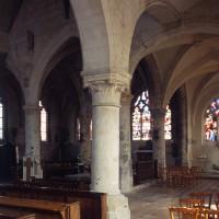 Le choeur vu vers le nord-est depuis le bas-côté sud de la nef (2000)