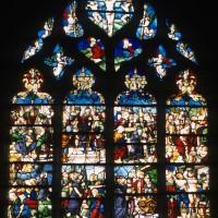Vitrail de la Crucifixion dans le choeur (2000)