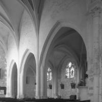 Vue partielle de la nef vers le nord-ouest (1995)