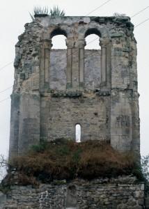 Les vestiges du clocher vus de l'est (1995)