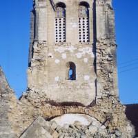 Les vestiges du clocher vus de l'ouest (1971)