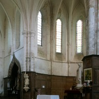 Vue partielle du choeur et du bras nord du transept vers le nord-est (1996)