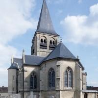 L'église vue depuis le nord-ouest (2008)
