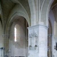 Vue partielle du bras nord du transept et de la chapelle nord depuis la base du clocher vers le nord-est (2008)