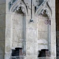 Niches flamboyantes sur la pile sud-est de la base du clocher (2008)
