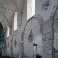 Le mur gouttereau sud de la nef vu vers le sud-est (2008)