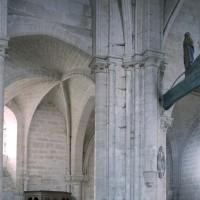 Vue partielle de la travée du clocher et de la chapelle sud vers le sud-ouest (2008)