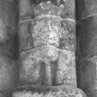 Restes de l'atlante de la retombée sud-ouest de la voûte du bras sud du transept (1995)