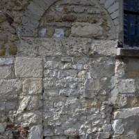 Porte romane au mur sud de la nef (2016)