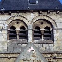 Les baies de la face sud du clocher (1972)