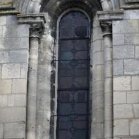 Fenêtre à la base sud du clocher (2015)
