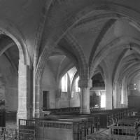 L'intérieur vu vers le sud-ouest depuis le bas-côté nord (1996)